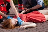 image of students on first aid courses attending an unconcious casualty